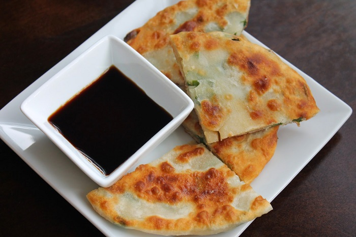 Image Source http://theculturaldish.blogspot.in/2014/08/scallion-pancakes-cong-you-bing.html
