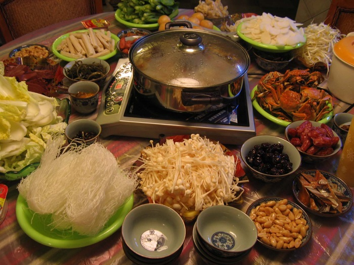 Image Source https://vickyxuan.wordpress.com/chinese-hot-pot-in-melbourne-by-xuanxuan-xu/