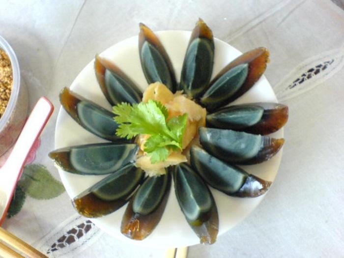 Image Source http://www.aufeminin.com/cuisine/sur-un-marche-coreeen-de-la-viande-de-chien-sp532808.html