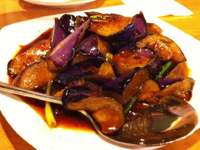 Image Source http://ohsnapletseat.com/2012/07/30/%E5%8F%89%E7%87%92-cantonese-style-bbq/