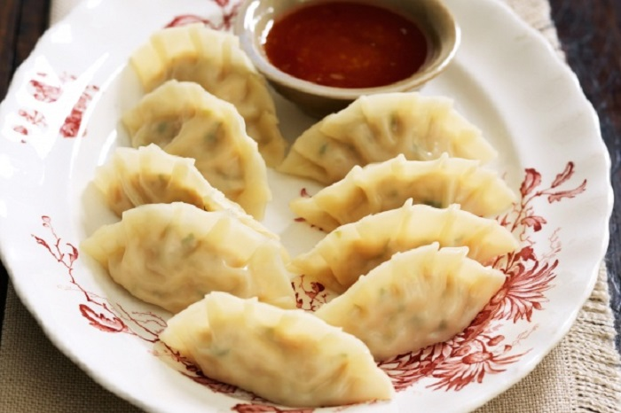 Image Source http://www.taste.com.au/recipes/25354/chicken+and+lemongrass+dumplings