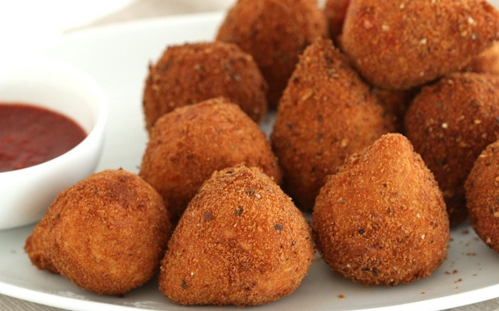 Image Source http://theamazingflavoursofbrazil.com/coxinha-chicken-fritters/