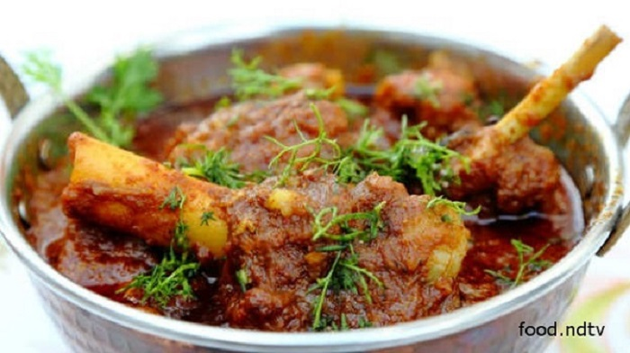 20 traditional south indian foods that will change your life forever this typical delicacy from the telangana district of india is unique because of its use of sour gongura leaves prepared in a delicious blend of spices forumfinder Choice Image