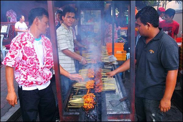 Image Source http://www.vkeong.com/2011/05/satay-station-kampung-pandan-kl-2/