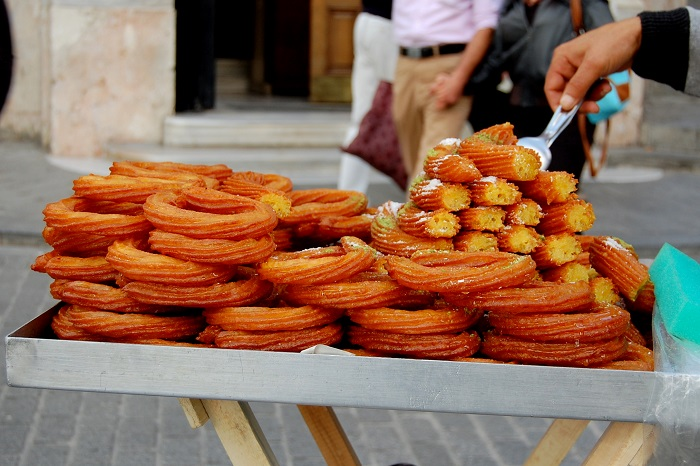 Image Source http://www.thedailyout.com/10-must-try-istanbul-street-foods/