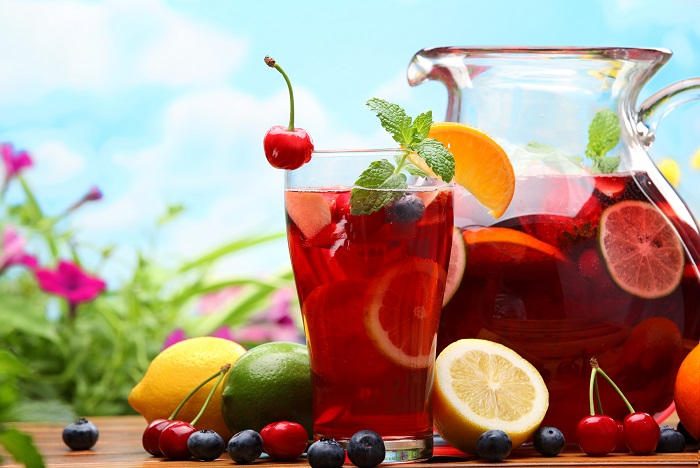 Photo Credit http://www.coupondunia.in/blog/infographic-how-to-make-your-own-sangria/