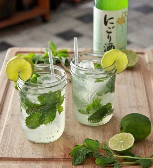 Photo Credit http://lindawagner.net/blog/2011/05/how-to-make-a-mojito-cocktail