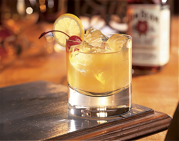 Photo Credit http://www.carolinaheritageco.com/history-of-whiskey/the-whiskey-sour/