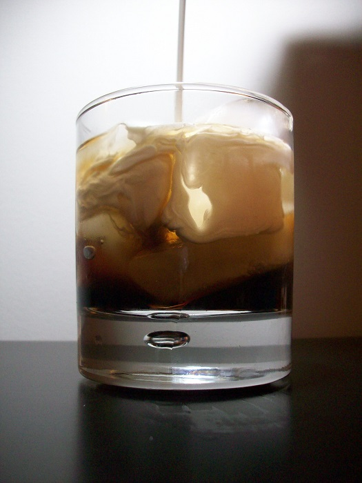 Photo Credit http://drinkerhol.blogspot.in/2014/12/white-russian-drink.html