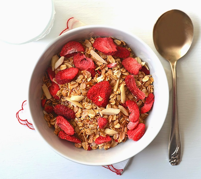 Photo Credit http://sewfrenchembroidery.blogspot.in/2015/03/homemade-red-berries-cereal.html