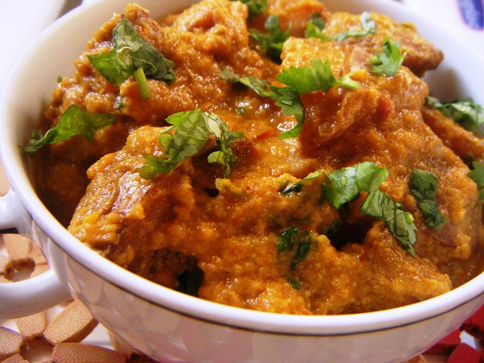 Photo Credit https://hibaskitchen.wordpress.com/2014/01/23/dum-aloo/