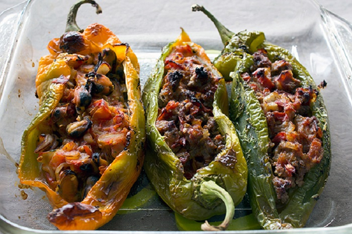 Photo Credit http://deliciosadas.com/general/chiles-rellenos-de-carne/