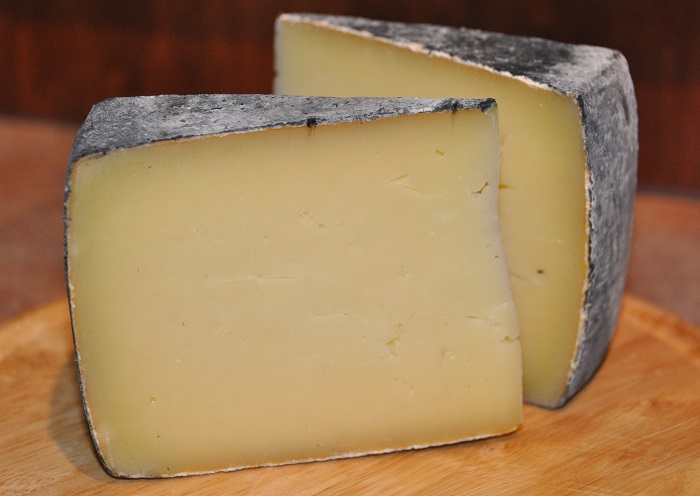 Celebrity goat cheese pasteurized