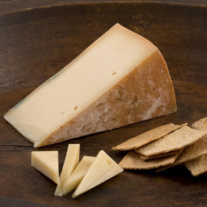 Photo Credit http://www.murrayscheese.com/cheese/fontina-melting.html