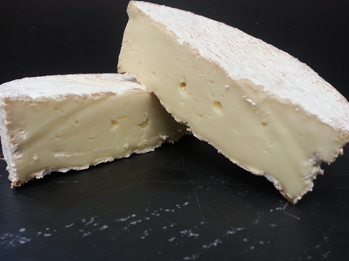Photo Credit https://charmcitycheesemongers.wordpress.com/2013/09/03/septembers-cheese-of-the-month-2/