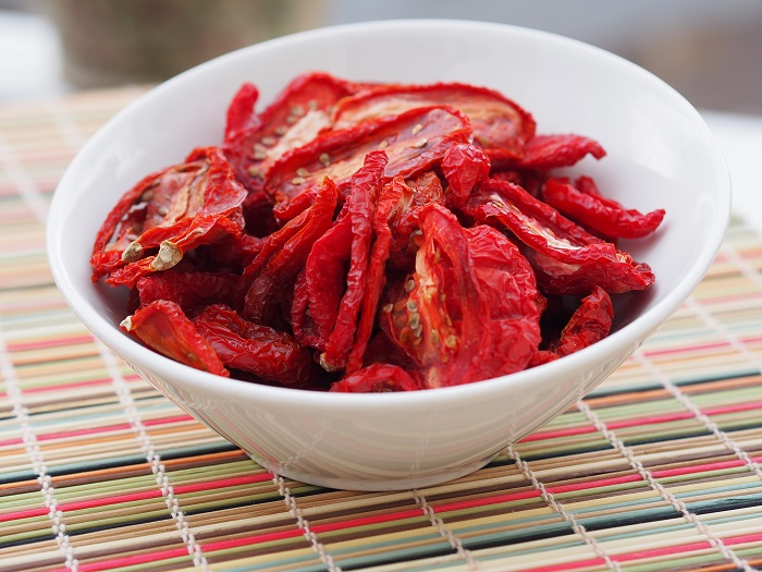 Photo Credit http://rockymountaincooking.com/2013/07/make-sun-dried-tomatoes-at-home/