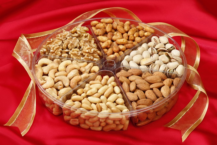 Photo Credit http://www.nutsinbulk.com/nut-assortment-gift-tray.html