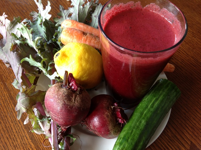 Photo Credit http://www.thepomegranatechronicles.com/food/csa-week-3/attachment/juice1/