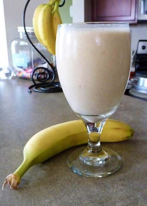 Photo Credit http://megslifeisgood.blogspot.in/2012/06/yumminess-banana-almond-smoothie.html