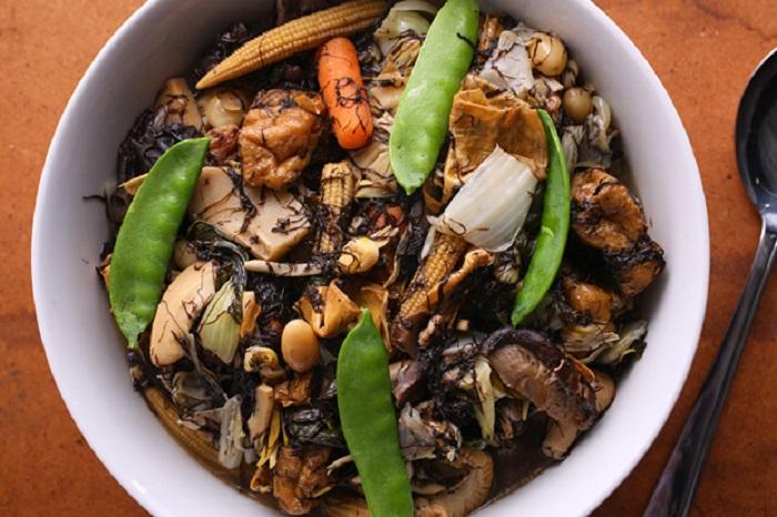Image Source http://www.chow.com/recipes/29362-buddhas-delight-jai