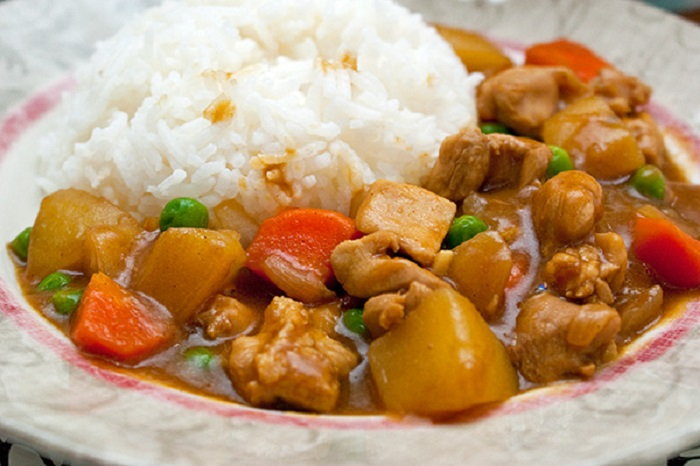 Image Source http://aromacookery.com/2011/12/09/how-to-make-quick-and-easy-japanese-curry-chicken/