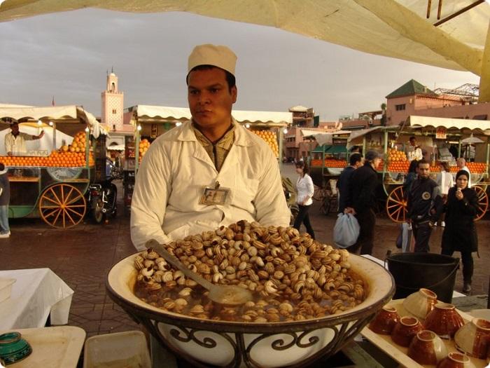 Image Source: http://www.hubert-eich.de/Marokko/Marokko2/Marrakesch/Seite010.htm