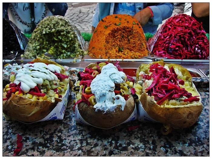 Image Source http://everythingistanbul.com/fooddrink/fastfood/kumpir-street/