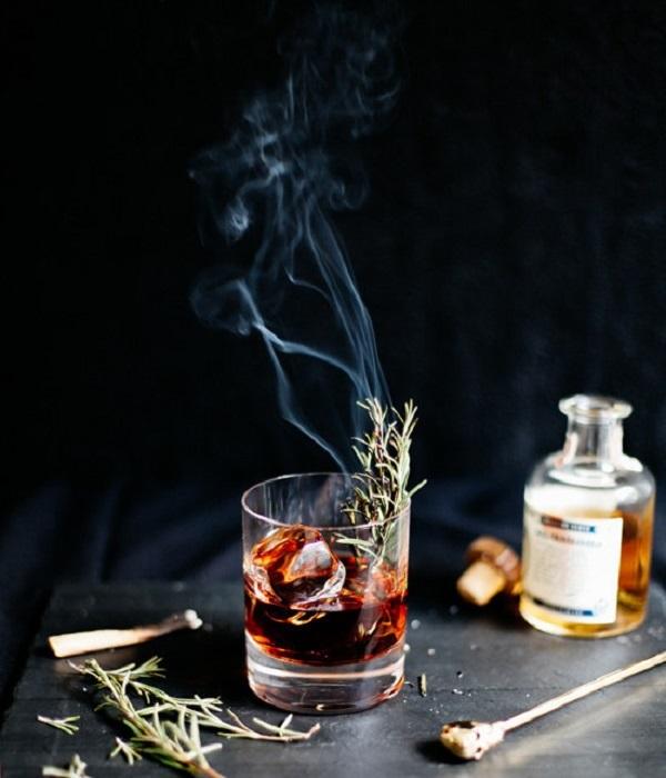 Photo Credit http://www.thejewelsofny.com/recipe/2014/10/21/sleepy-hollow-cocktail