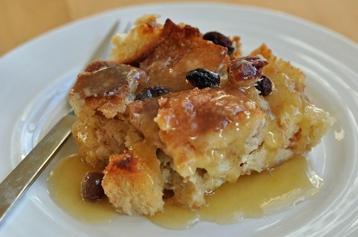 Photo Credit http://womenpla.net/recipe/bread-pudding/