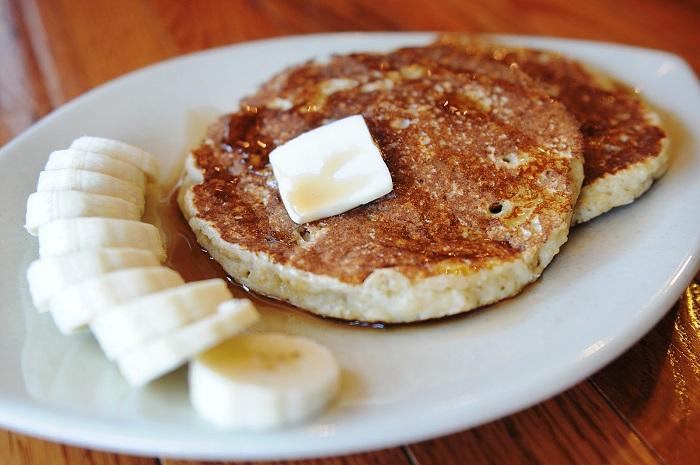 Photo Credit http://meredithsrecipes.blogspot.in/2012/03/crunchy-quinoa-banana-pancakes.html