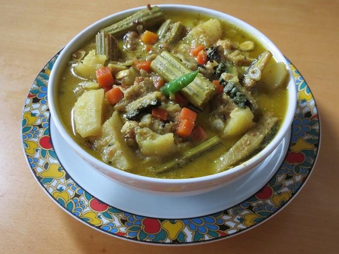Photo Credit  http://www.indianrecipes.lv/recipes/shukto.html