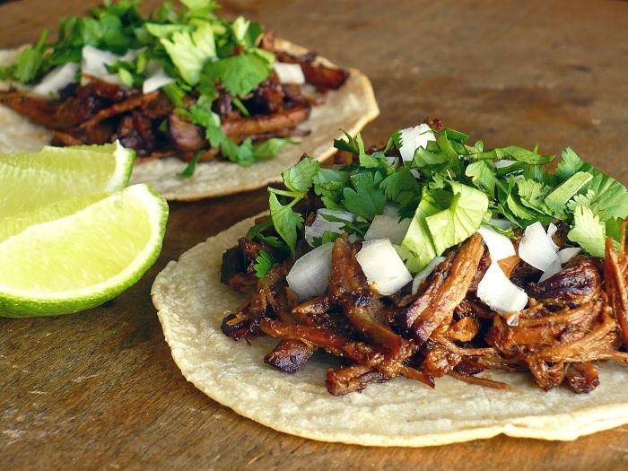 Photo Credit http://www.foodpeoplewant.com/tacos-de-barbacoa/