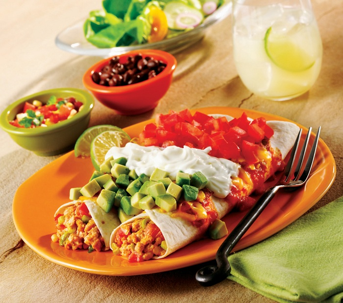 Photo Credit https://www.goldnplump.com/recipes/mexican-flag-enchiladas
