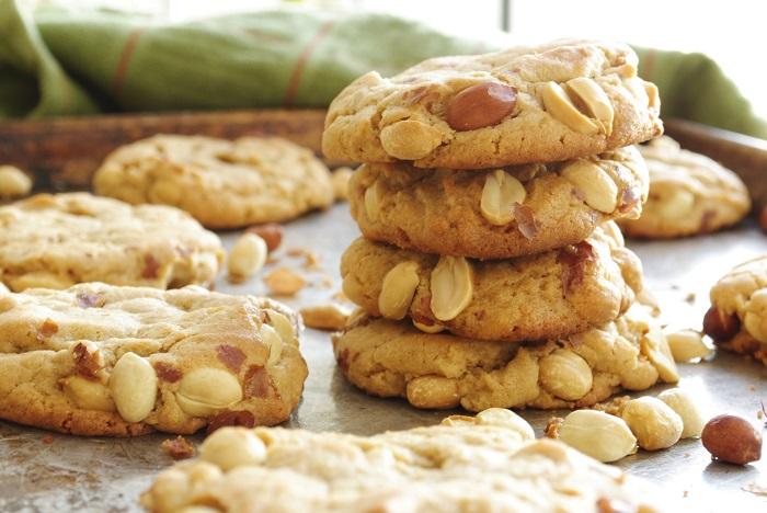 Photo Credit http://garlicgirl.com/2012/07/04/roasted-peanut-peanut-butter-cookies/