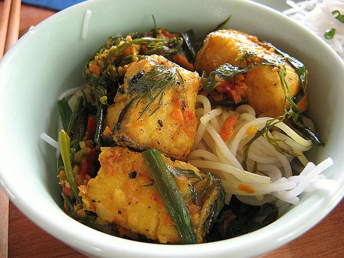 Photo Credit  http://creamandsugar.ca/vietnamese-vermicelli-bun-bo-xao/